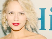 "Bethany Joy Lenz: Nel cast di ""Smoke and Mirrors"""